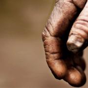 این دستی است که آتش جهنم هرگز آن را درک نخواهد کرد